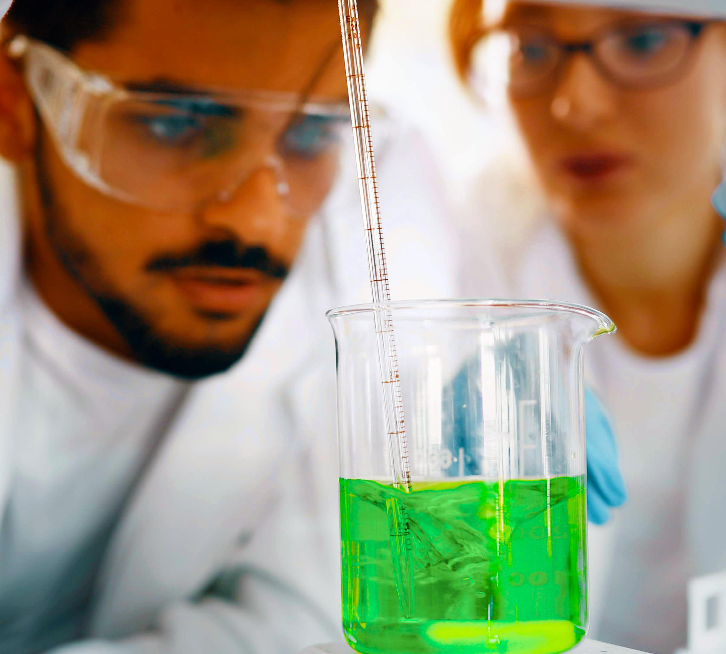 מדע והנדסת חומרים וכימיה - תואר כפול