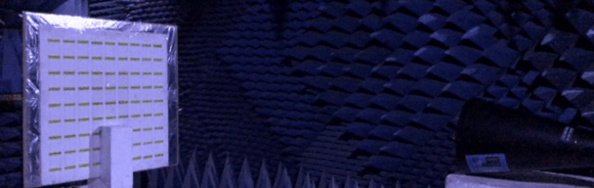 """הוידאו """"סט-אפ"""" מציג את מערכת ההתחמקות מהמכ""""ם יחד עם מסכת הפאזה."""