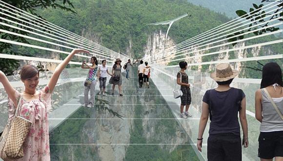 גשר הזכוכית הארוך (המפחיד) והגבוה בעולם במחוז הונאן שבמזרח סין