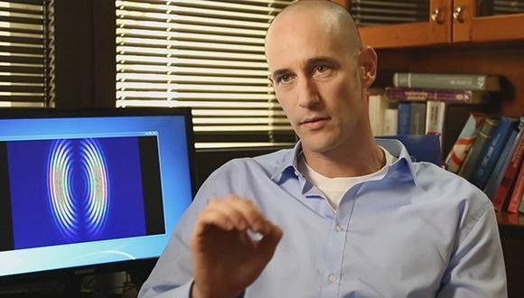 גביש פוטוני שמאפשר שליטה חסרת תקדים באור