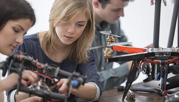 ידיעון 2020/21  בית הספר להנדסה מכנית