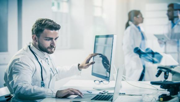 """קורס """"פיתוח מכשור רפואי בקומפליינס לדרישות הרגולציה העדכניות"""""""