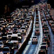 כתבה בערוץ 13 - למה יש פקקי ענק בכבישים ואיך נחלצים מהם